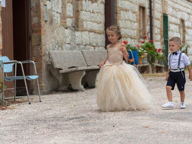 Il matrimonio di Valerio e Giulia a Arcevia, Ancona 48