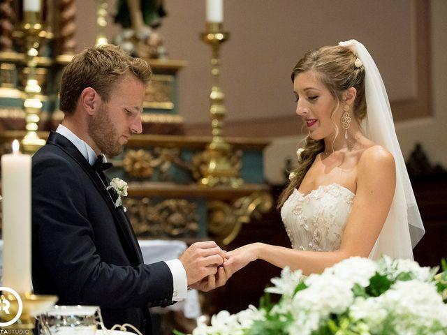 Il matrimonio di Marco e Giluia a Abbadia Lariana, Lecco 15