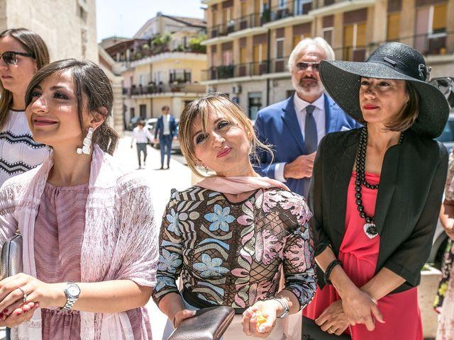 Il matrimonio di Nicola e Pernalisa a Gravina in Puglia, Bari 17
