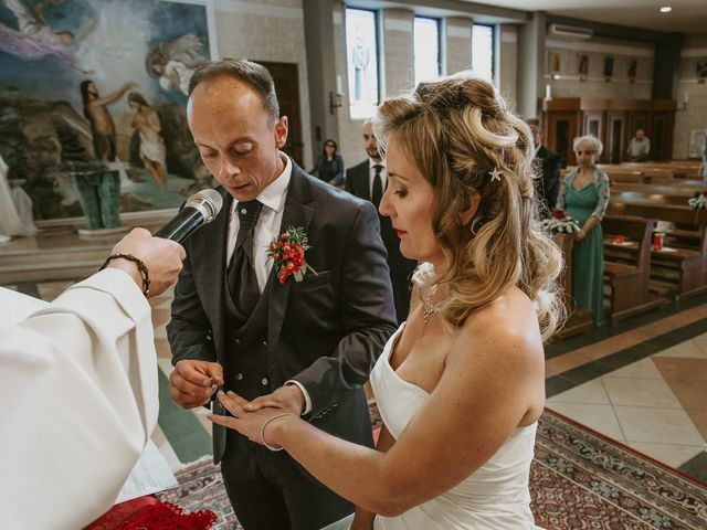 Il matrimonio di Daniele e Silvia a Viareggio, Lucca 24