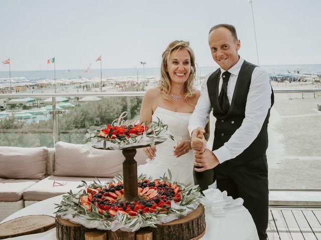 Il matrimonio di Daniele e Silvia a Viareggio, Lucca 37