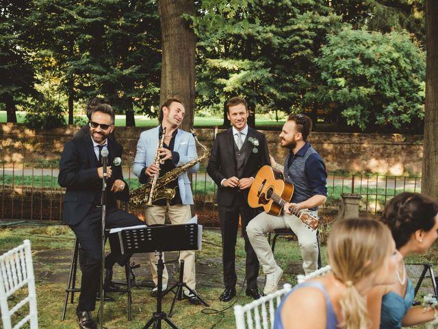 Il matrimonio di Jonathan e Lucia a Robecco sul Naviglio, Milano 17