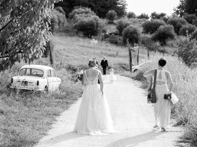 Il matrimonio di Maikel e Jessica a Miglianico, Chieti 15