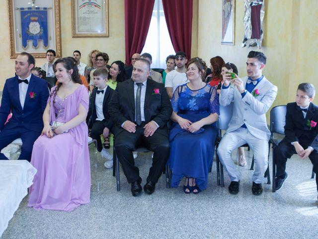 Il matrimonio di Gianluca e Evelyn a Pescara, Pescara 21