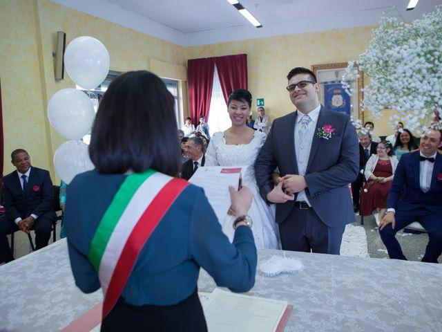 Il matrimonio di Gianluca e Evelyn a Pescara, Pescara 23