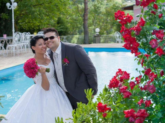 Il matrimonio di Gianluca e Evelyn a Pescara, Pescara 37