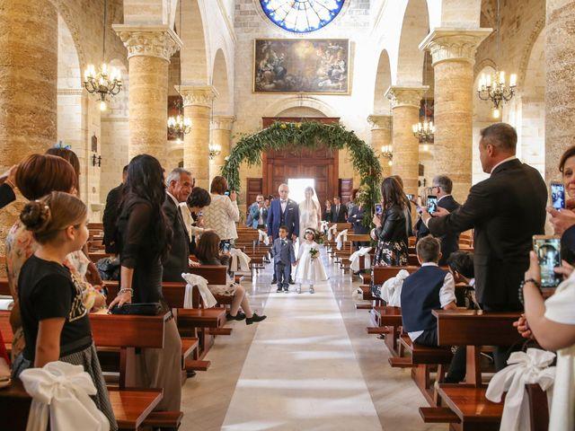 Il matrimonio di Nicola e Chiara a Torre Santa Susanna, Brindisi 11