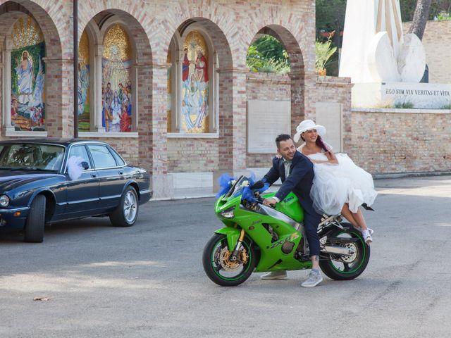 Il matrimonio di Paolo e Tania a Giulianova, Teramo 19