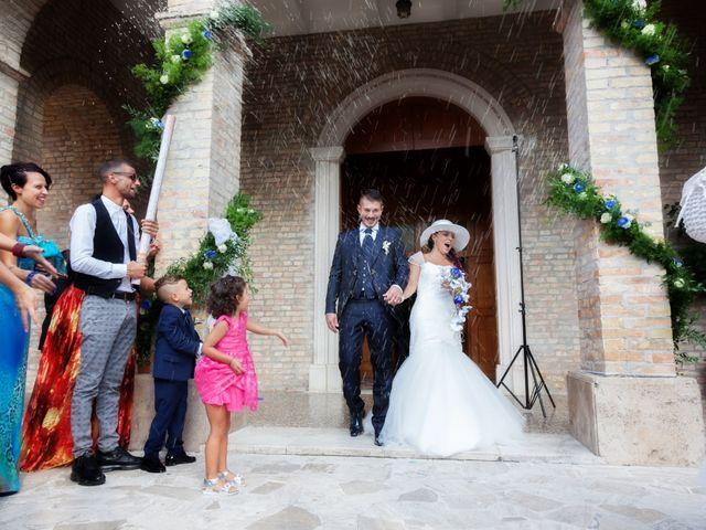 Il matrimonio di Paolo e Tania a Giulianova, Teramo 24