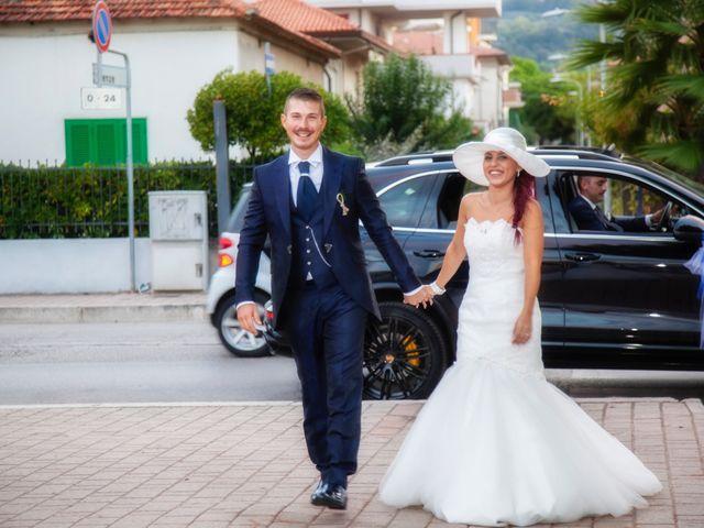 Il matrimonio di Paolo e Tania a Giulianova, Teramo 32