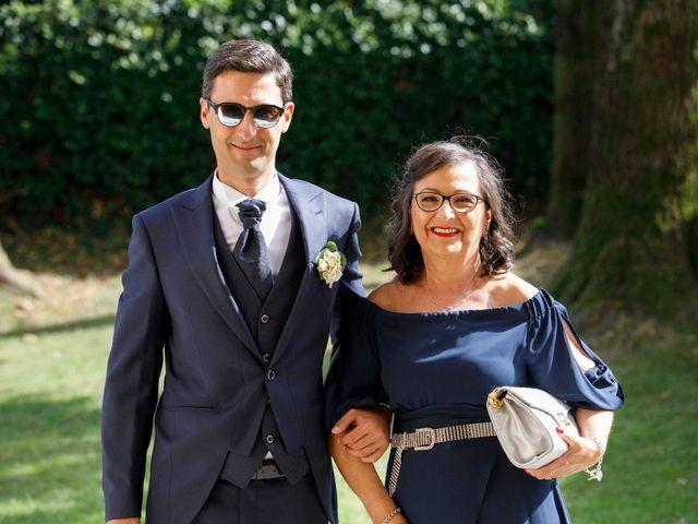 Il matrimonio di Luca e Melissa a Appiano Gentile, Como 32