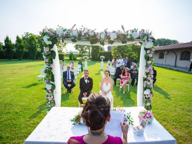 Il matrimonio di Luigi e Raffaella a Guardamiglio, Lodi 15
