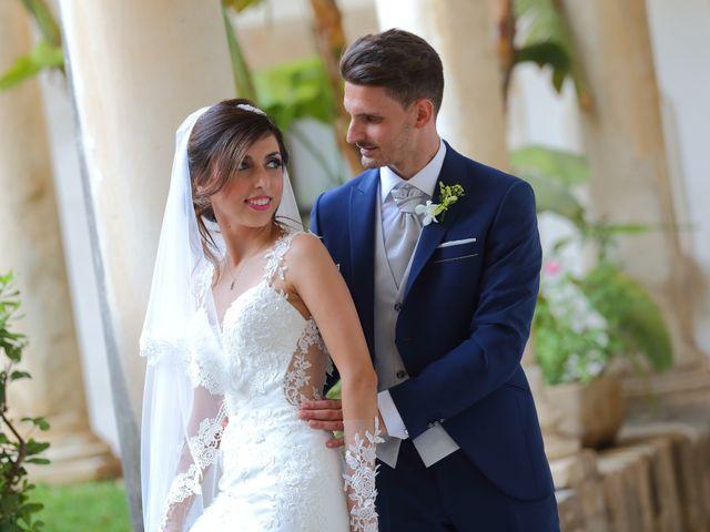 Il matrimonio di Vincenzo e Adriana a Vittoria, Ragusa 8