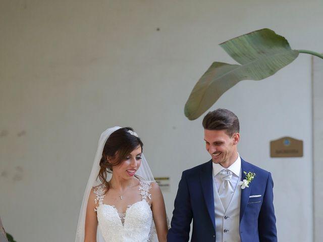 Il matrimonio di Vincenzo e Adriana a Vittoria, Ragusa 14