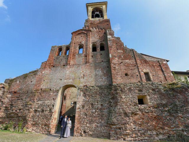 Il matrimonio di Davide e Debora a Lomello, Pavia 30