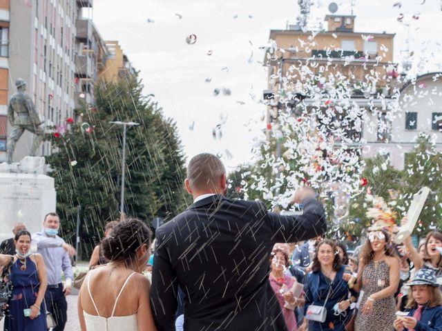 Il matrimonio di Roberto e Maria Luisa a Lainate, Milano 17