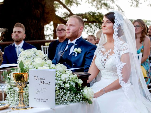 Il matrimonio di Michael e Veronica a Calolziocorte, Lecco 35