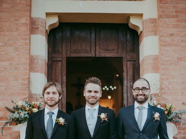 Il matrimonio di Davide e Chiara a Monte San Pietro, Bologna 32