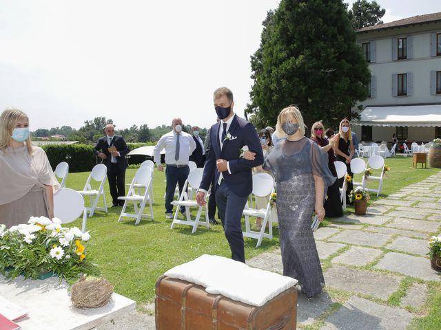 Il matrimonio di Alessio e Julia a Carnago, Varese 5