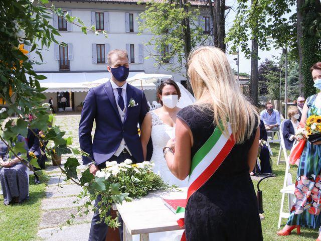 Il matrimonio di Alessio e Julia a Carnago, Varese 8