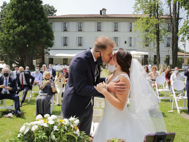 Il matrimonio di Alessio e Julia a Carnago, Varese 12