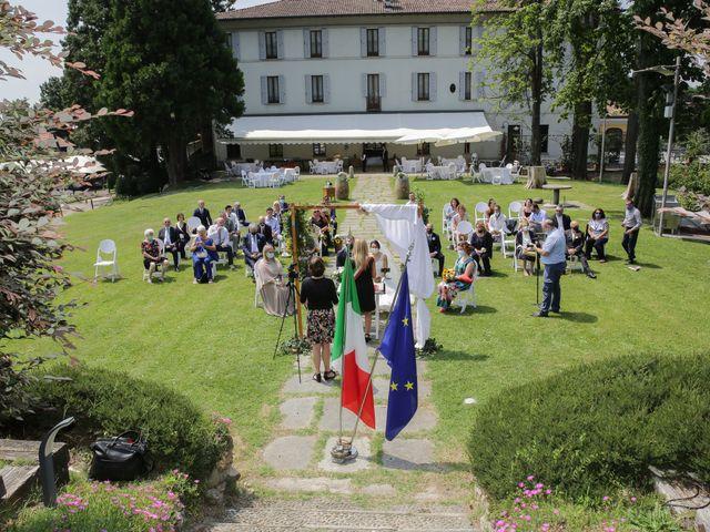 Il matrimonio di Alessio e Julia a Carnago, Varese 13