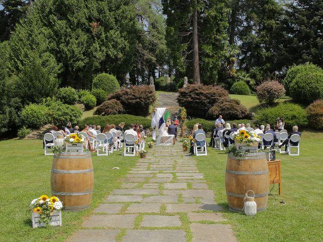 Il matrimonio di Alessio e Julia a Carnago, Varese 14