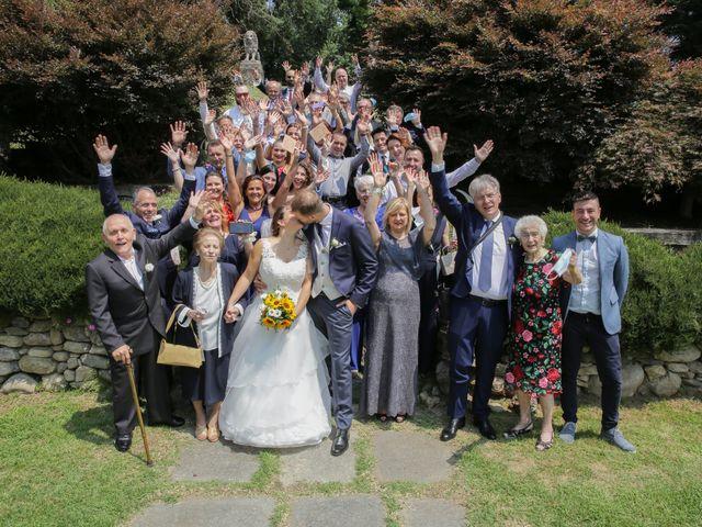 Il matrimonio di Alessio e Julia a Carnago, Varese 17