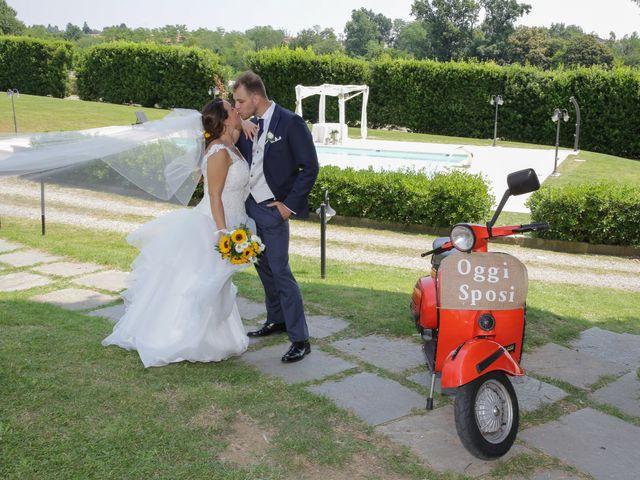 Il matrimonio di Alessio e Julia a Carnago, Varese 27