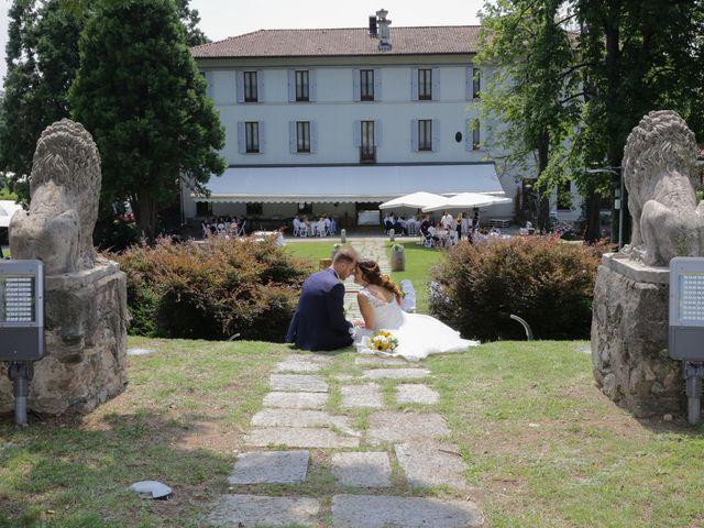 Il matrimonio di Alessio e Julia a Carnago, Varese 32