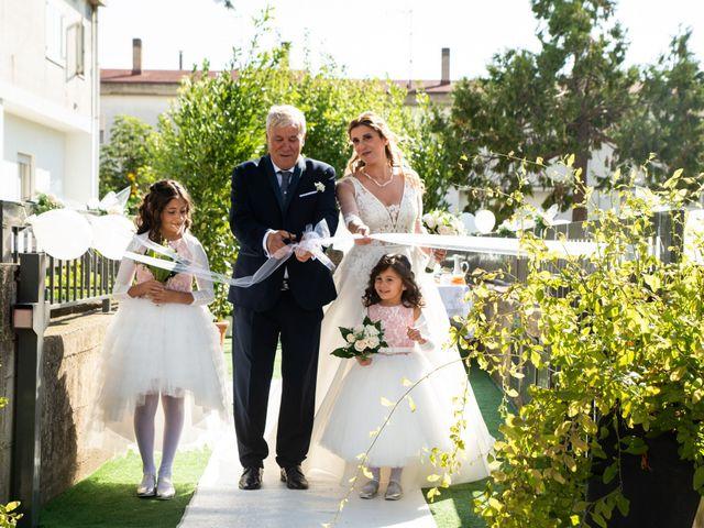 Il matrimonio di Giuseppe e Claudia a Salandra, Matera 14