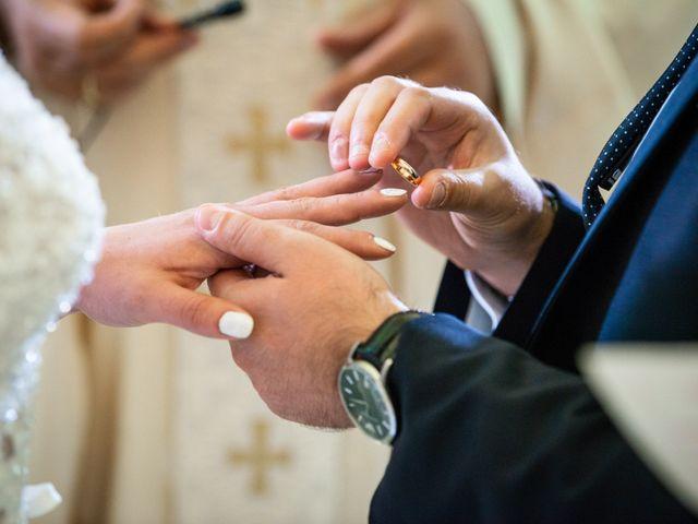 Il matrimonio di Giuseppe e Claudia a Salandra, Matera 18