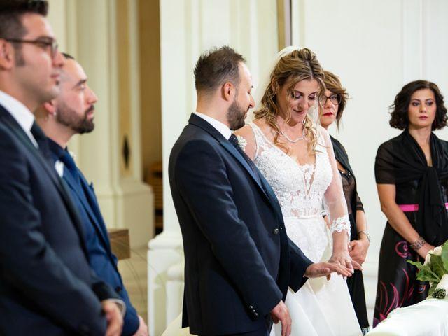 Il matrimonio di Giuseppe e Claudia a Salandra, Matera 19