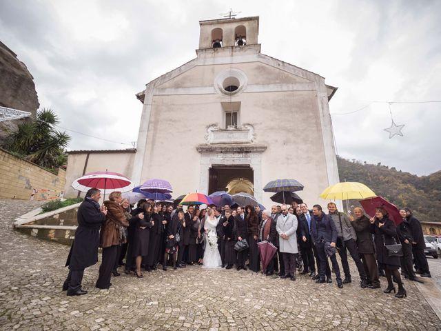 Il matrimonio di Enzo e Elena a Limatola, Benevento 21