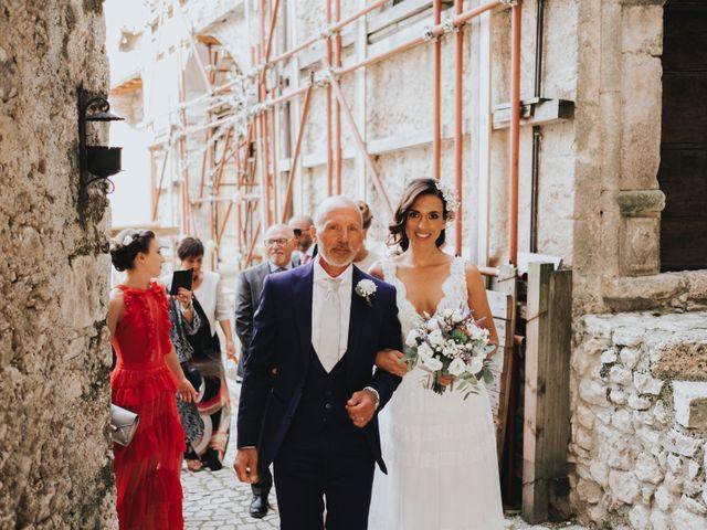 Il matrimonio di David e Alessia a Santo Stefano di Sessanio, L'Aquila 14