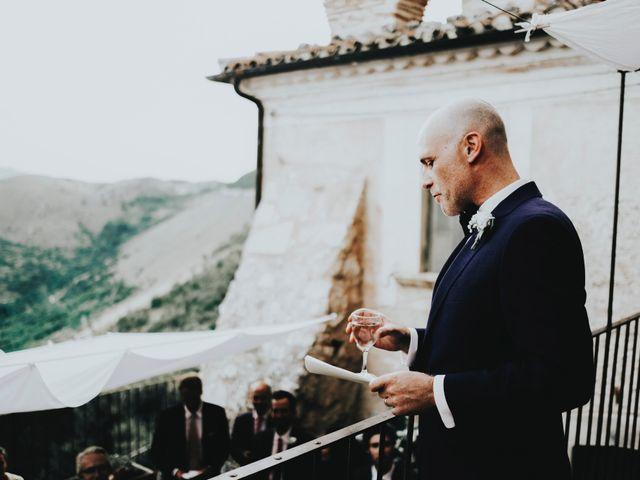Il matrimonio di David e Alessia a Santo Stefano di Sessanio, L'Aquila 28