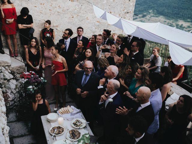 Il matrimonio di David e Alessia a Santo Stefano di Sessanio, L'Aquila 32