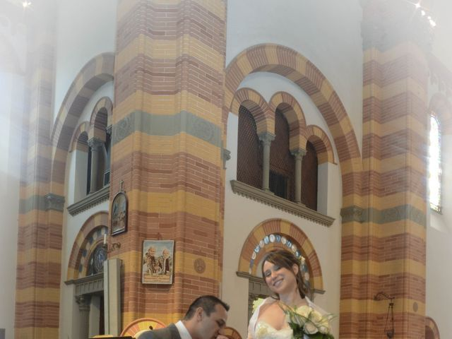 Il matrimonio di Luca e Francesca a Castel San Pietro Terme, Bologna 25