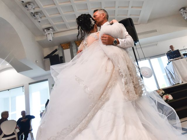 Il matrimonio di Tony e Noemi a Legnano, Milano 44