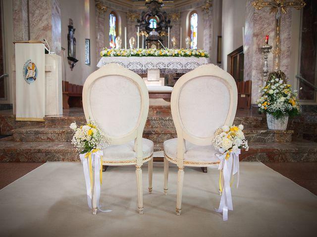 Il matrimonio di NICOLA e GIOVANNA a Malnate, Varese 33