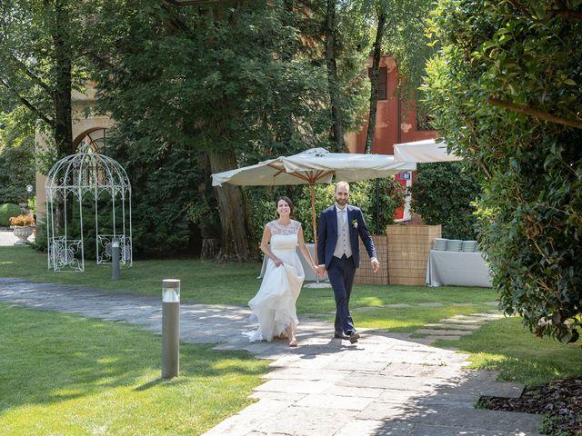 Il matrimonio di Paolo e Daniela a Carnago, Varese 24