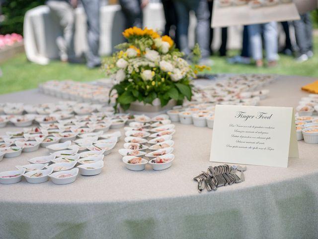 Il matrimonio di Paolo e Daniela a Carnago, Varese 32