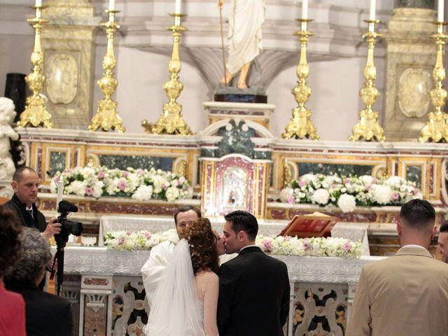 Il matrimonio di Valeria e Raffaele a Portici, Napoli 18