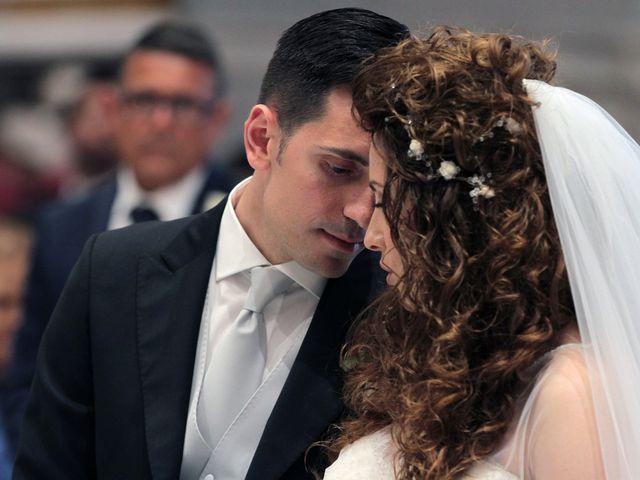Il matrimonio di Valeria e Raffaele a Portici, Napoli 19