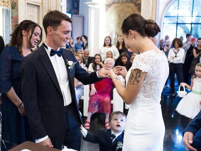 Il matrimonio di Filippo e Giulia a Viareggio, Lucca 32
