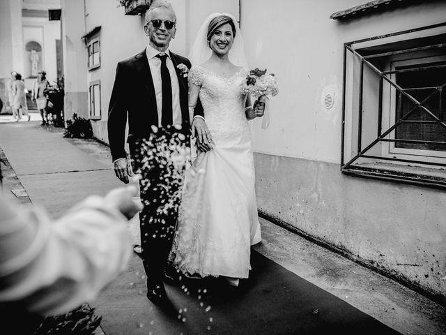 Il matrimonio di Ernesto e Valentina a Castellammare di Stabia, Napoli 36
