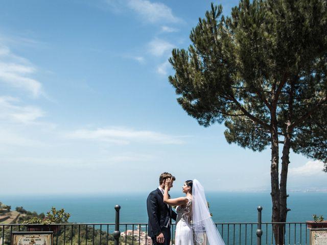 Il matrimonio di Giovanni e Caterina a Castellammare di Stabia, Napoli 32