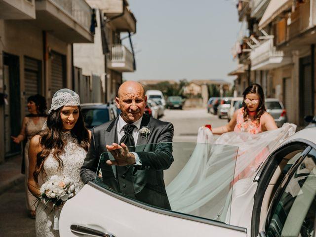Il matrimonio di Vincenzo e Laura a Gela, Caltanissetta 23