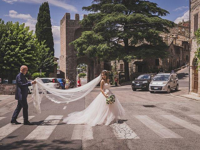 Il matrimonio di Ivan e Sara a Torgiano, Perugia 25