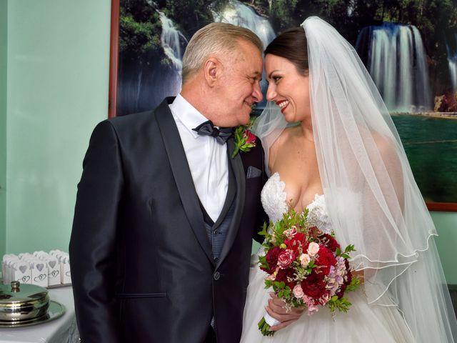 Il matrimonio di Imma e Mario a Avellino, Avellino 10